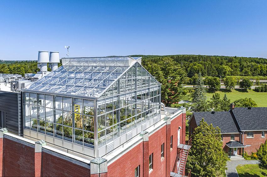 Newly-Renovated Johnson Greenhouse and Laboratories