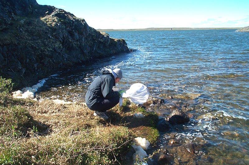 Jade Savage conducting research at Rankin Inlet, Nunavut. Copyright Jade Savage.