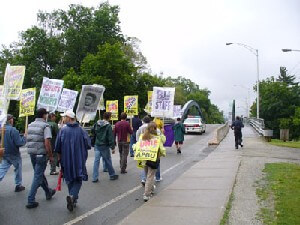 Picket lines June 2007 on College st.